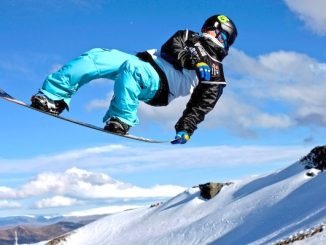 snowboarder-air-grab